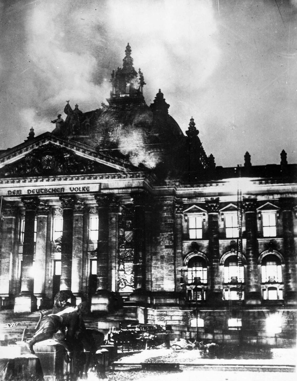 Reichstag_fire_1933